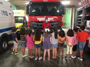 Crianças da sala dos 5 anos do Castelinho visitam a AHBVF